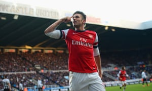 Olivier Giroud of Arsenal celebrates scoring the only goal in the game at Newcastle United
