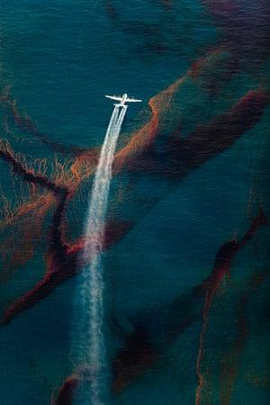 Spill: Daniel Beltra book on Deepwater oil spill pollution