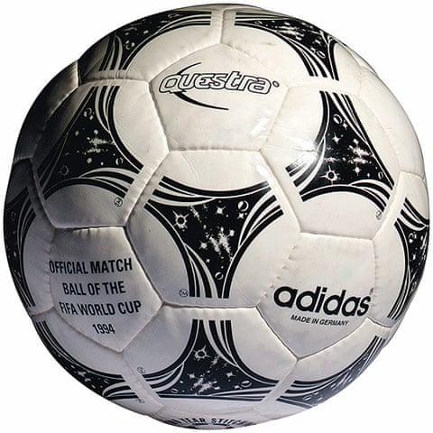 El propietario Pekkadillo a tiempo  Official World Cup balls: a potted history – in pictures | Football | The  Guardian