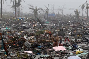 Extreme weather: Typhoon Haiyan aftermath in the Philippines