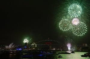 NYE in Australia: More huge fireworks erupt over the harbour