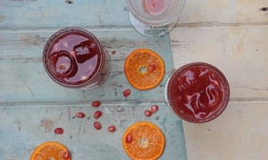 Cook - drinks, pomegranate and clementine