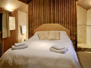Cool Cottages:Gloucest: Log Cabin, Churcham int