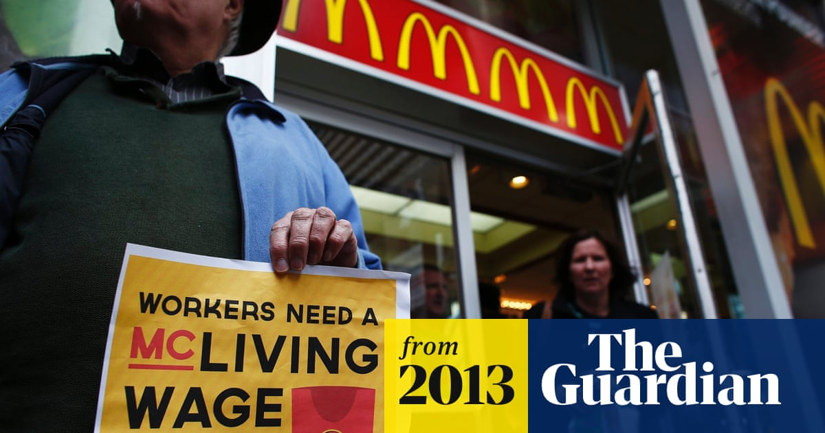 Us Fast Food Workers Strike Over Low Wages In Nationwide Protests Us News The Guardian