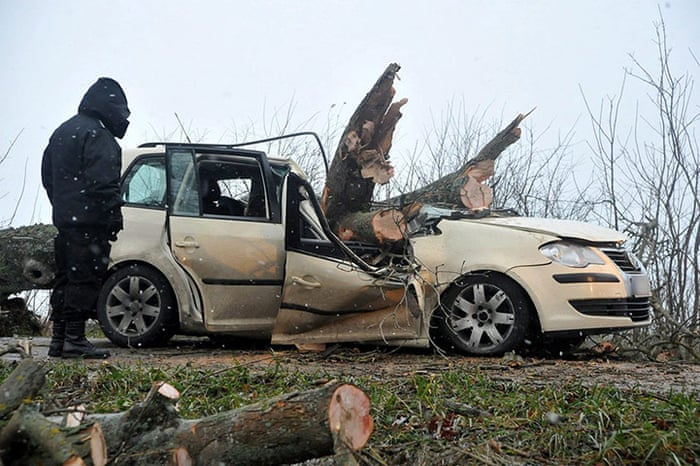 Wszystkie nowe Storm Xaver batters northern Europe - in pictures   World news WX08