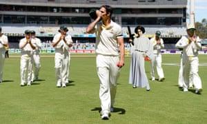 Princess Leia plays cricket