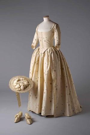 Wedding Dresses: brocade gown