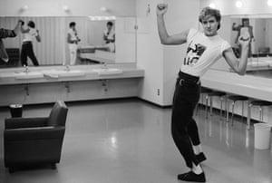 Duran Duran: Simon Le Bon backstage, Tokyo, 1984