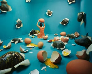JeeYoung Lee: Broken heart