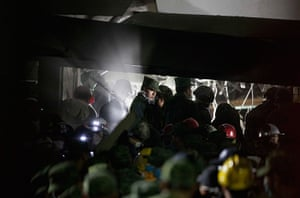 Mexico explosion: Rescue workers, firefighters and military search for survivors