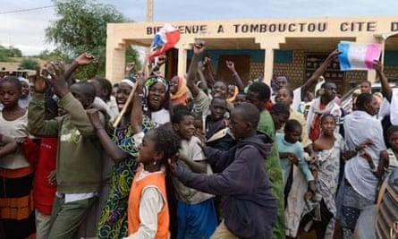 Timbuktu celebrates after rebels leave