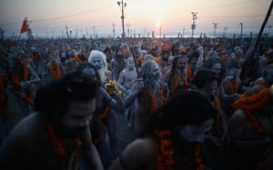 Maha Kumbh : Thousands of naked Sadhus walk together to the holy waters