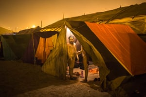 Maha Kumbh : Sadhus get ready in their tents