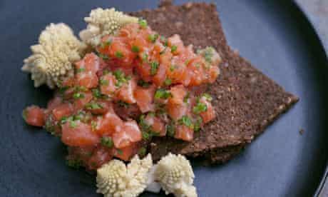 Salmon tartare with quick pickled cauliflower
