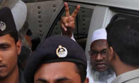 Abdul Quader Mollah victory salute