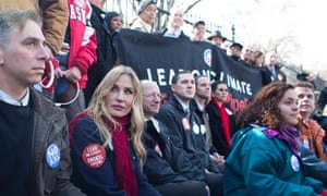 Daryl Hannah and Environmentalists Protest Keystone Pipeline Outside White House