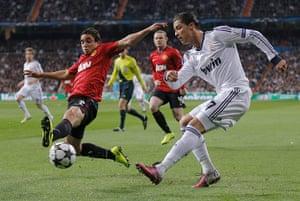 Real v United: Ronaldo getting a cross in past United's Rafael