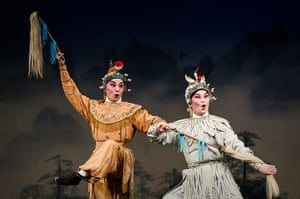Cantonese opera: Actors on stage