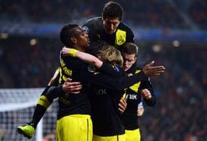 shakhtar: Borussia Dortmund players celebrate