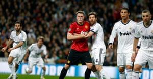 Real Madrid V United 4: Phil Jones is outnumbered