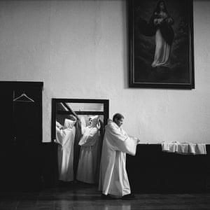 White Monks: Monastery of La Oliva, Navarra