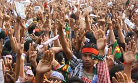 Bangladesh: Thousands continue death penalty demand for war criminals