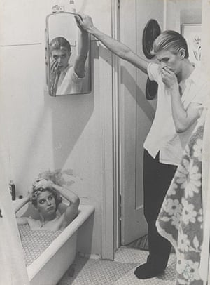 Bowie: Film still from The Man Who Fell to Earth