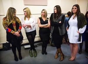 London Plus Size Fashion: Models backstage