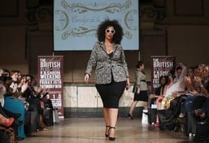 London Plus Size Fashion: Carolyn de la Drapiere