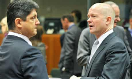 Romanian foreign affairs minister Titus Corlatean and William Hague
