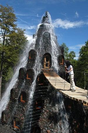 Unusual hotels: Magic Mountain