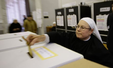 Italian elections – a nun casts her vote