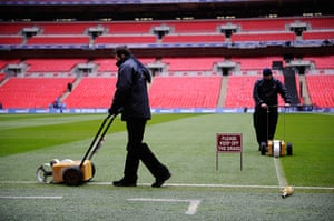 Capital One Final: Final preparations on the pitch
