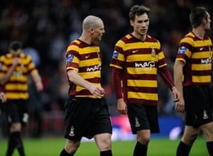 Capital One final 3: Gary Jones has a quiet word in the ear of midfielder Will Atkinson