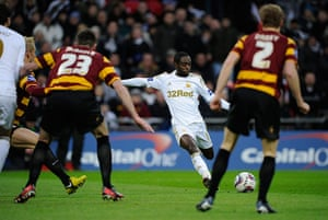 Capital One final 3: Nathan Dyer scores