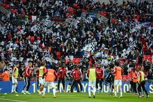 Capital One Final 7: Swansea's players warm up