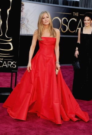 Jennifer Aniston arrives at the Oscars