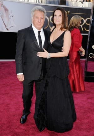 Dustin Hoffman (L) and Lisa Gottsegen arrive at the Oscars