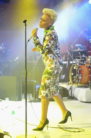 Oscars after party: Emeli Sande performs at Elton John's AIDS Foundation party