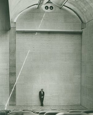 Louis Kahn: Louis Kahn at the auditorium of the Kimbell Art Museum