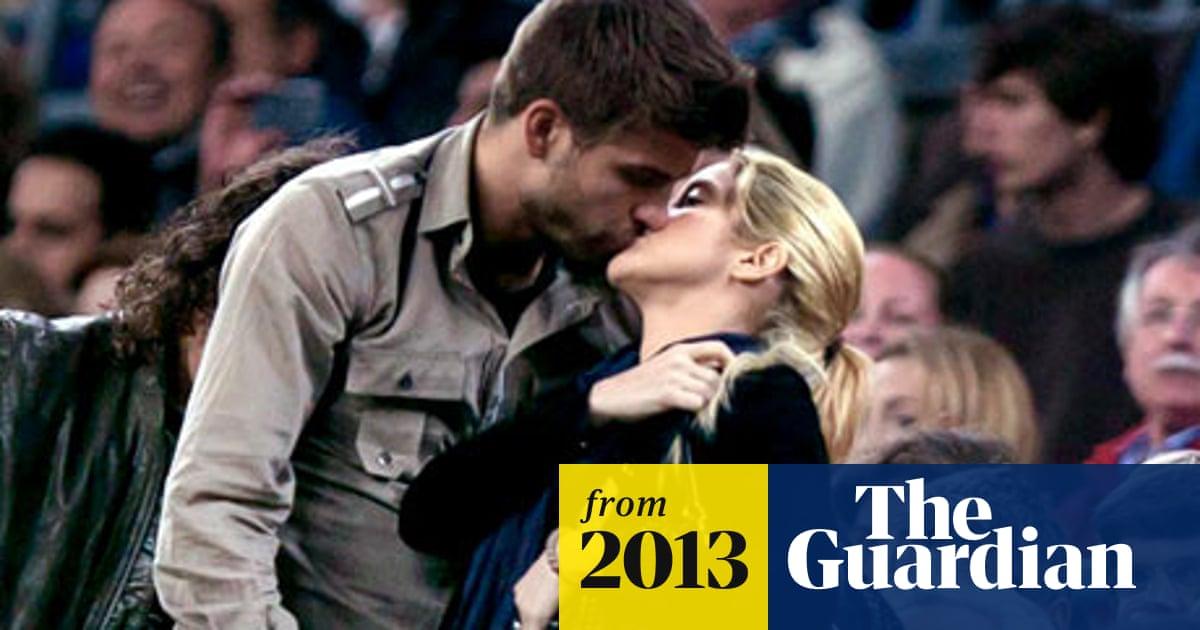 Shakira and Gerard Pique BURGLED: Couple's home 'targeted ...  Gerard Pique And Shakira Scandal
