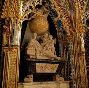 Ten best: Isaac Newton grave
