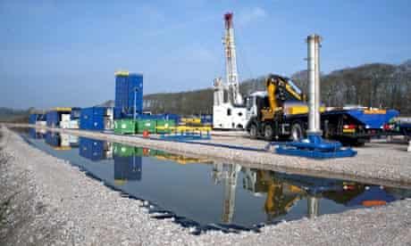 Cuadrilla shale gas drilling rig preparing for 'fracking'