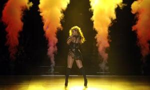 Beyonce smoke show at Super Bowl