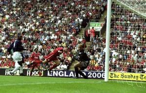 Jamie Carragher's career: Jamie Carragher own goal