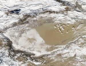 Satellite Eye: Storm Turns the Taklimakan Desert White