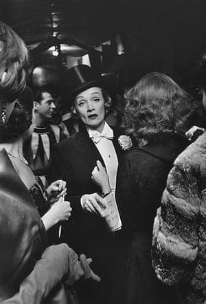 Elliott Erwitt: Marlene Dietrich, New York, 1959