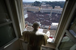 20 Photos: Pope Benedict XVI's leads the Angelus prayer at the Vatican