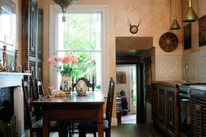 Homes - moroccan home: interior of wooden table in dining room