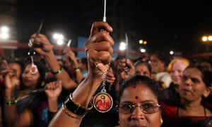 Swiss tourist gang-raped in India – video | World news | The
